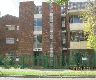 R 450,000 - 2 Bed Flat For Sale in Regents Park