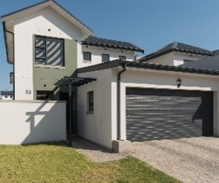 R 1,600,000 - 3 Bed Home For Sale in Kraaifontein