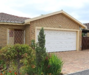 R 2,185,000 - 3 Bed House For Sale in Sonstraal Heights