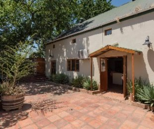 R 6,500,000 - 4 Bed Property For Sale in Wellington