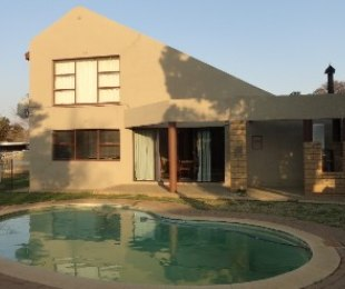 R 795,000 - 4 Bed House For Sale in Merriespruit