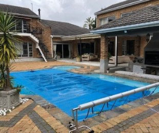 R 50,000 - 6 Bed Property To Let in Constantia