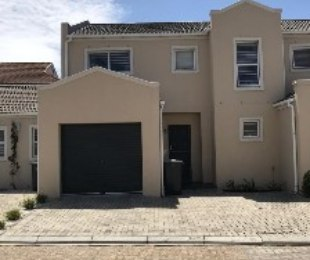 R 1,650,000 - 3 Bed House For Sale in Ottery