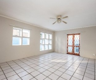 R 1,295,000 - 3 Bed House For Sale in Gordon's Bay