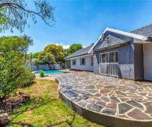 R 2,099,000 - 4 Bed House For Sale in Blairgowrie