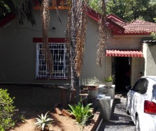 R 940,000 - 4 Bed House For Sale in Malvern