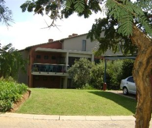 R 760,000 - 2 Bed Flat For Sale in North Riding