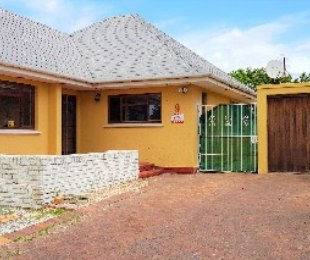 R 1,795,000 - 2 Bed Home For Sale in Southfield