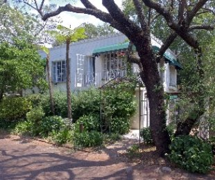 R 1,700,000 - 2 Bed Property For Sale in Paulshof