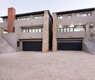 R 4,050,000 - 4 Bed Home For Sale in Olympus