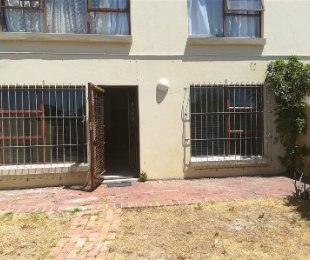 R 1,100,000 - 2 Bed Flat For Sale in Table View
