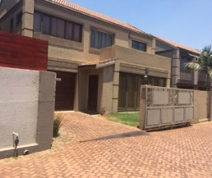 R 1,250,000 - 3 Bed Property For Sale in Buurendal