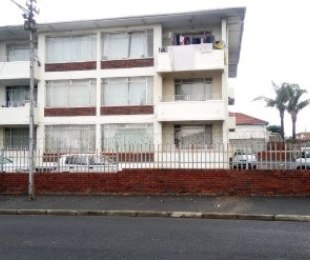 R 495,000 - 1 Bed Flat For Sale in Parow