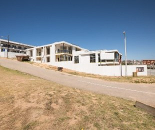 R 2,695,000 - 3 Bed Flat For Sale in De Bakke