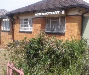 R 895,000 - 2 Bed House For Sale in Gerdview