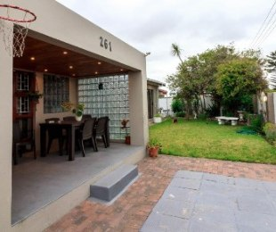 R 1,650,000 - 4 Bed House For Sale in Grassy Park