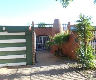 R 450,000 - 2 Bed Property For Sale in Bedelia