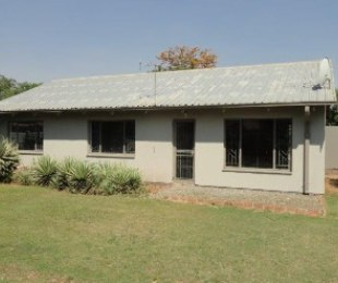 R 620,000 - 3 Bed House For Sale in Riebeeckstad