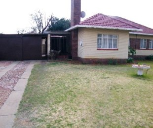 R 650,000 - 3 Bed Home For Sale in Dagbreek
