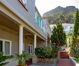 R 2,200,000 - 2 Bed Flat For Sale in St James