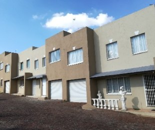 R 930,000 - 2 Bed Flat For Sale in Dawnview