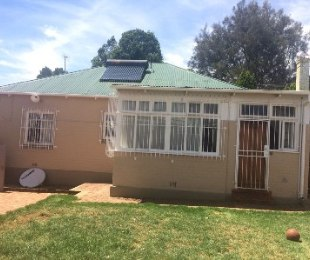 R 1,150,000 - 3 Bed House For Sale in Kensington