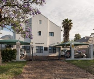 R 2,115,000 - 2 Bed Flat For Sale in Stellenbosch Central