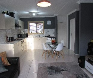R 1,250,000 - 2 Bed Flat For Sale in Churchill