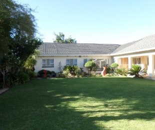 R 1,900,000 - 4 Bed Property For Sale in Jan Cillierspark