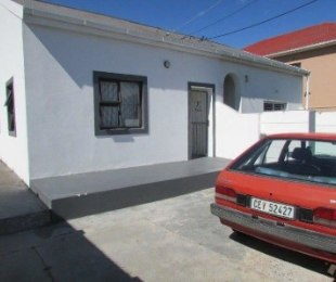 R 1,050,000 - 2 Bed Property For Sale in Parow West