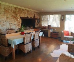 R 2,700,000 - 4 Bed House For Sale in Parow North