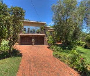 R 2,500,000 - 3 Bed House For Sale in Robindale