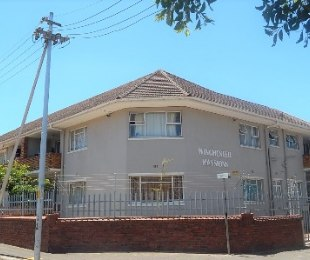 R 1,100,000 - 2 Bed Flat For Sale in Wynberg Upper
