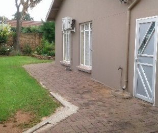 R 1,450,000 - 3 Bed House For Sale in Wychwood