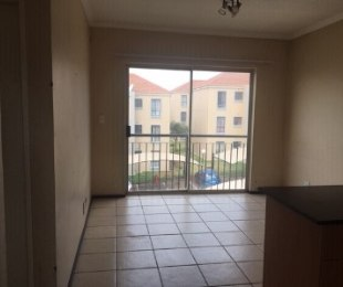 R 550,000 - 1 Bed Flat For Sale in Grand Central