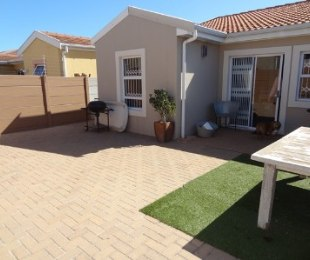 R 1,490,000 - 3 Bed House For Sale in Parklands