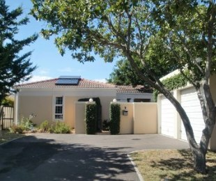R 1,950,000 - 3 Bed Home For Sale in Sunningdale