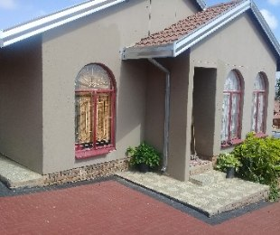 R 740,000 - 3 Bed Property For Sale in Morula View