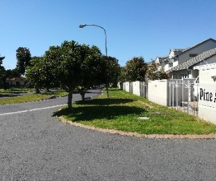 R 1,800,000 - 2 Bed House For Sale in Pinelands