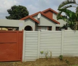 R 795,000 - 3 Bed House For Sale in Olievenhoutbos