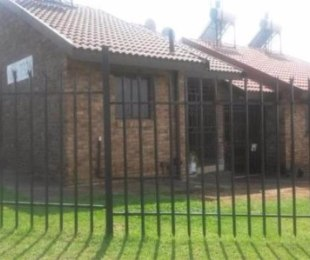 R 430,000 - 2 Bed Apartment For Sale in Olievenhoutbos