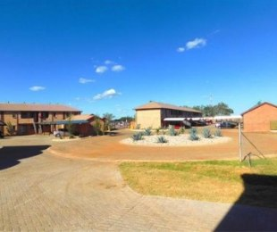 R 470,000 - 2 Bed Flat For Sale in Orchards