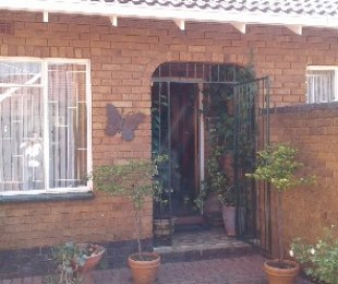 R 1,280,000 - 3 Bed Property For Sale in Woodmere