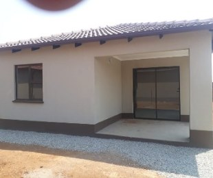 R 830,000 - 4 Bed Home For Sale in Delmore Park