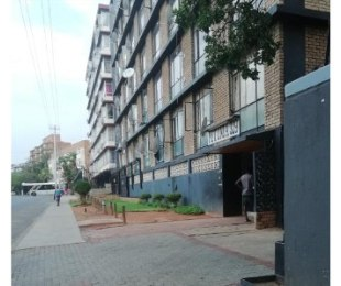 R 456,000 - 2 Bed Flat For Sale in Sunnyside