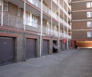 R 395,000 - 2 Bed Flat For Sale in Sunnyside