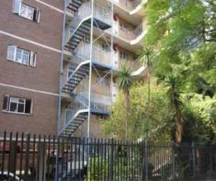 R 358,000 - 2 Bed Flat For Sale in Sunnyside