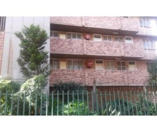 R 355,000 - 1 Bed Flat For Sale in Sunnyside