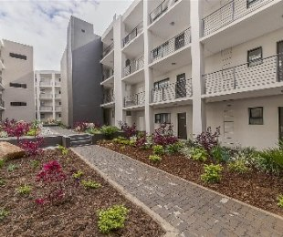 R 6,000 - 1 Bed Property To Rent in North Riding