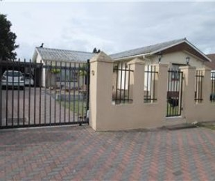 R 1,750,000 - 3 Bed Property For Sale in Parow Central